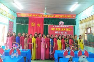 "<a href=""/tin-tuc-su-kien/hoat-dong-su-kien"" title=""Hoạt động - Sự kiện"" rel=""dofollow"">Tin Slideshow</a>"